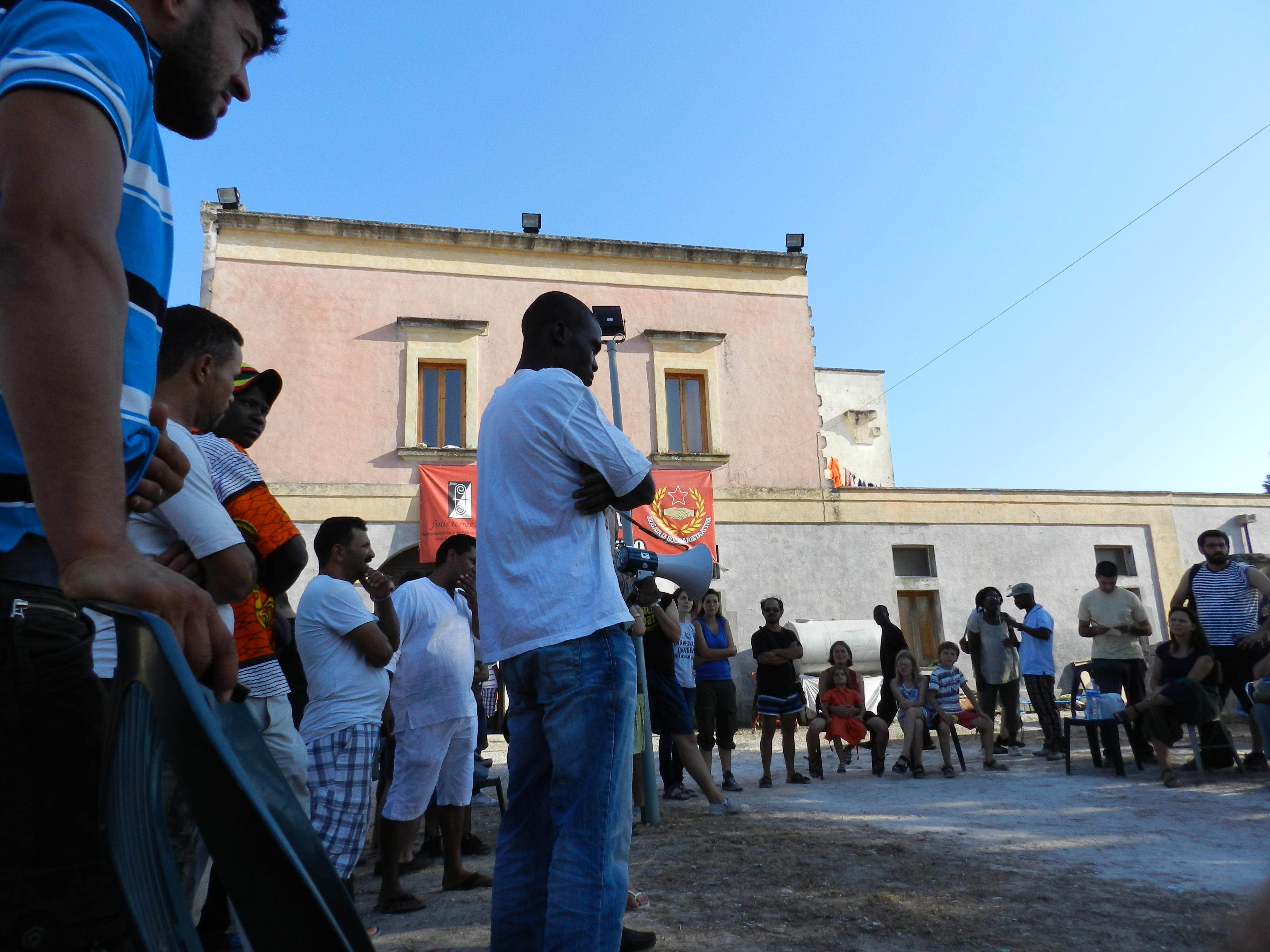Masseria Boncuri - Sciopero Braccianti Nardò (CdiDAssMM - OMB ) ago 2012